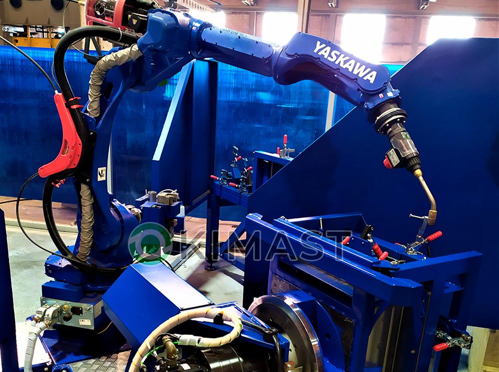 Произведена сдача в эксплуатацию роботизированного комплекса по сварке ящиков для аккумуляторов.